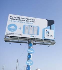 ce-panneau-publicitaire-c3a9cologique-produit-de-leau-potable