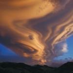 An allongated Lenticular Cloud near Tararua Mountain Range, New Zealand.