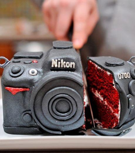 A Cake Made LIke A Nikon Camera