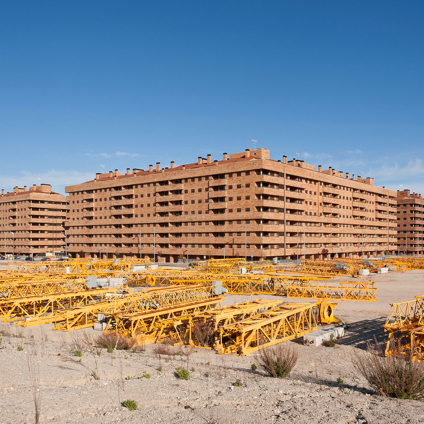 A Sesena, thousands of homes remain unfinished.