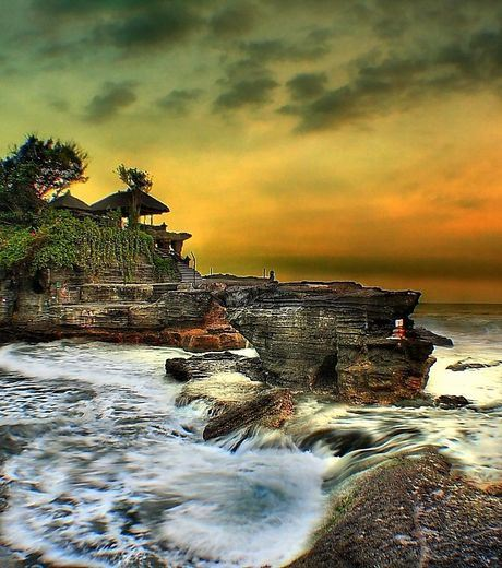 Sunset at Tanah Lot temple on the Indonesian island of Bali