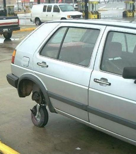 Here's a makeshift wheel for this car