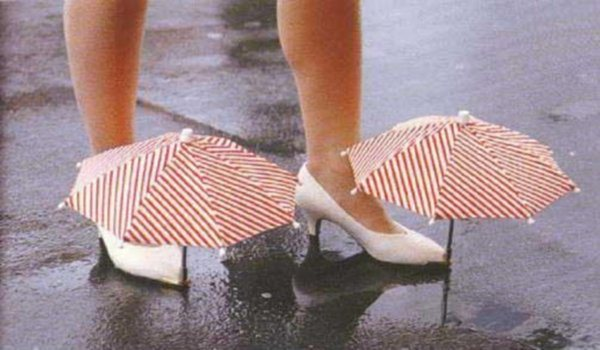 The mini-umbrellas that arise on shoes.