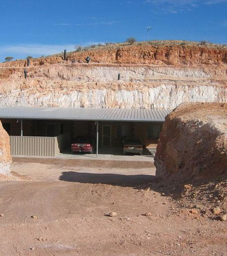 Car Garage in Coober Pedy