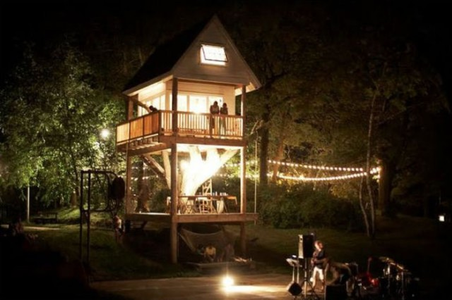 The view of tree house during night