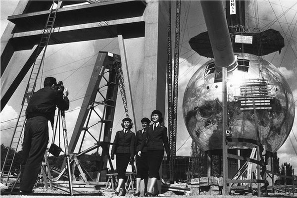 Construction Of Atomium Brussels (1958)