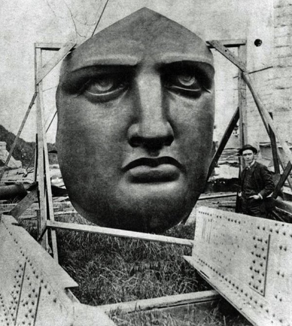 Statue Of Liberty – New York (1886)