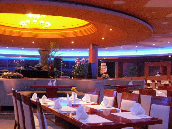 Restaurant In The Sun Cruise Hotel © Photo news.