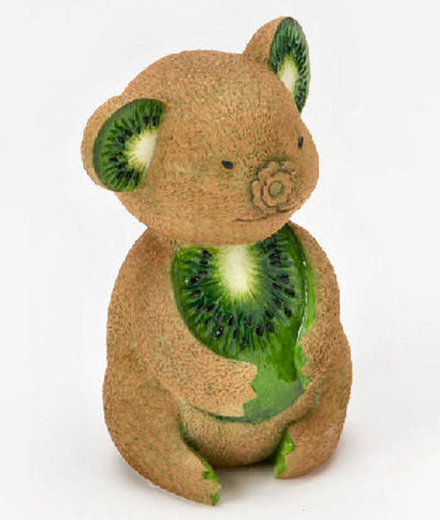 Bear Sculptures Made From Vegetable