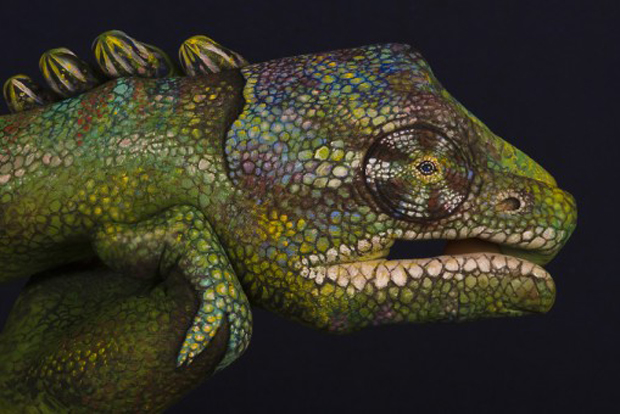 Chameleon-509x340-Guido Daniele Ultra Realistic Hand Painting