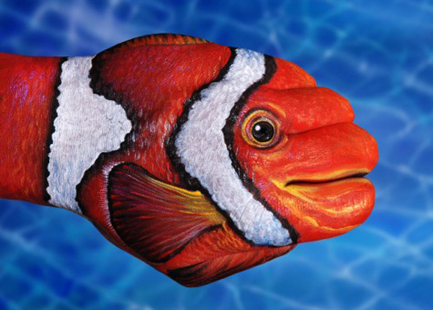 Clown-Fish1-475x340-Guido Daniele Ultra Realistic Hand Painting
