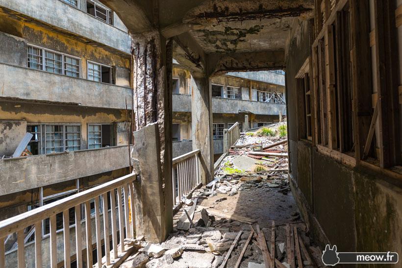 Gukanjima-japanese-abandoned-islans-2
