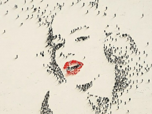 Marilyn Monroe Portrait Made By Crowd 1