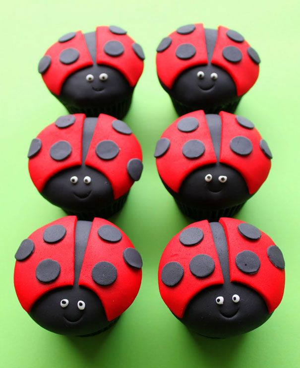 Pretty ladybugs cupcake