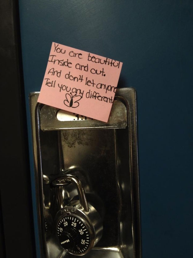 Touching Moments-Tender words on locker doors