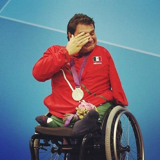 Touching Moments-Arnulfo Castorena wins first olympic for his country