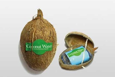 Water flavored with coconut