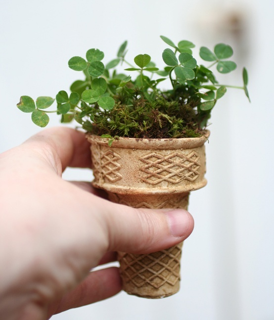 Transform your ice cream cones in flowerpots