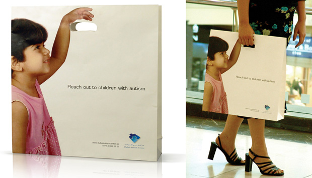 helping hand: Unique Advertising Shopping bags