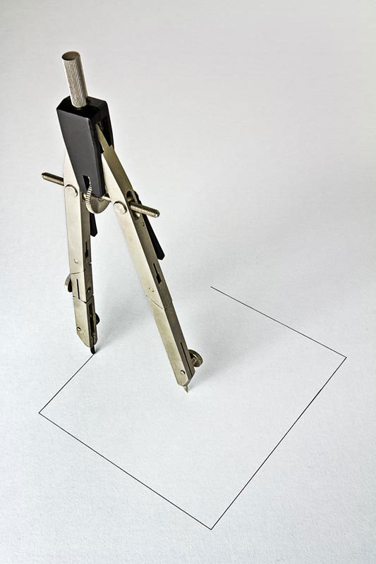 """""""  Improbabilità """": Giuseppe Colarusso's art from everyday objects"""