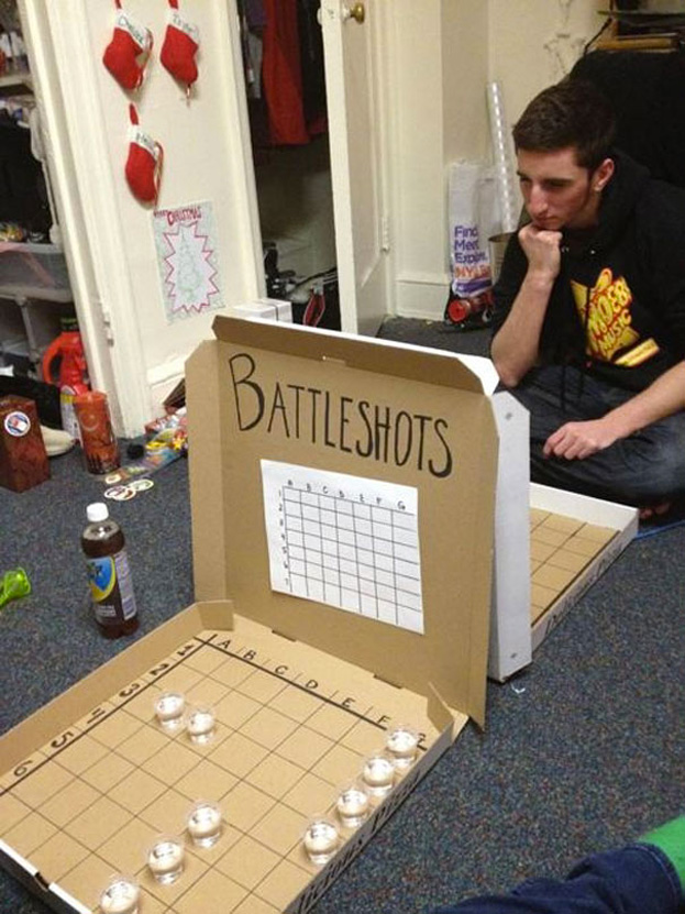 Cool ideas to reuse Pizza box: Battleshots