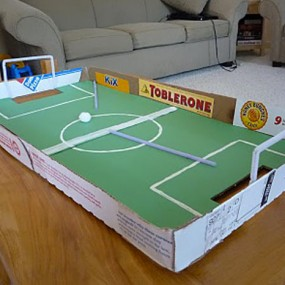20 Super Cool Ideas To Recycle Your Pizza Box (Photo Gallery)