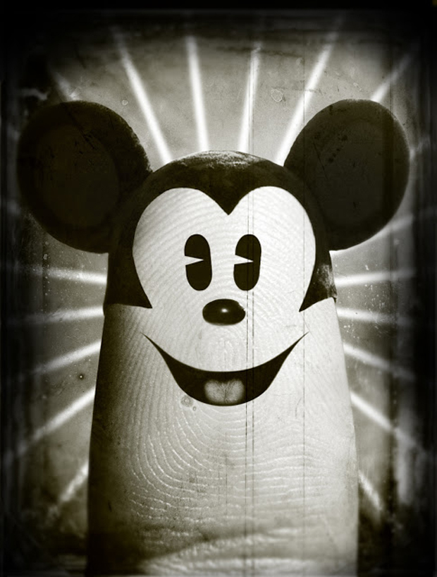 Dito Michey Mouse Face On Finger