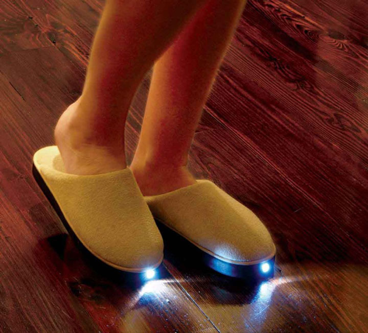LED slippers avoid tripping over the corner furniture