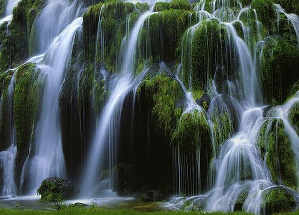 Looks like Thailand ... (Location Cascades Tuffs, Jura)   Landscapes of France That Give A Foreign Look