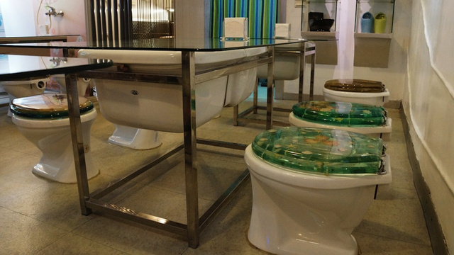 Modern Toilet, Taiwan, a restaurant inspired bathrooms and toilets
