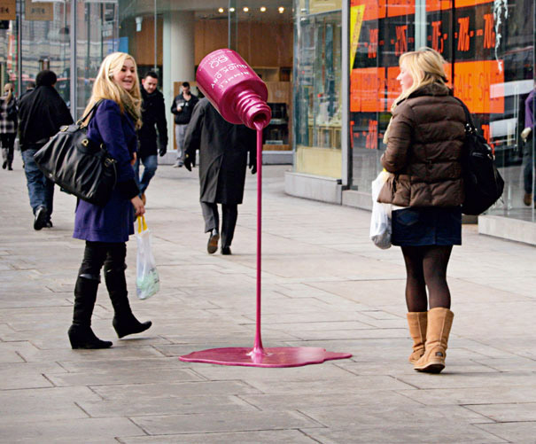Rimmel: Nail polish that dries in minutes-Amazing Ads That Merge With Their Surroundings