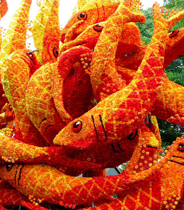 Sculpture made from Flowers: Flower Parade in Zundert, Netherlands