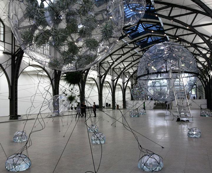 Tomás Saraceno's Cloud Cities Biospheric