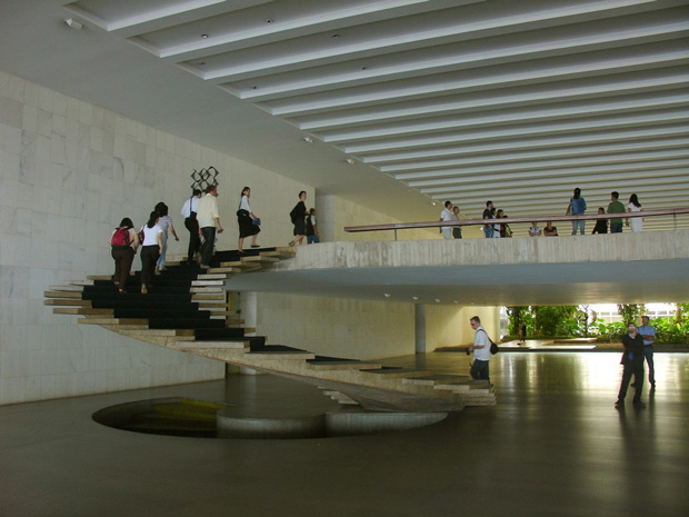 oscar-niemeyer stairs