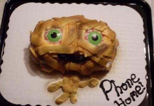 ET alien designed cake