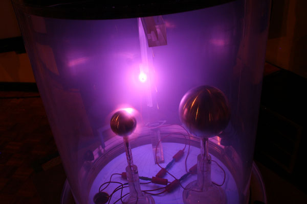 French Scientists Recreate Aurora Borealis In Glass Case