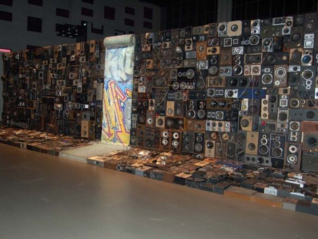 The wall of sound blasters created by Benedict Maubrey-Geek Art Inspired By High-Tech