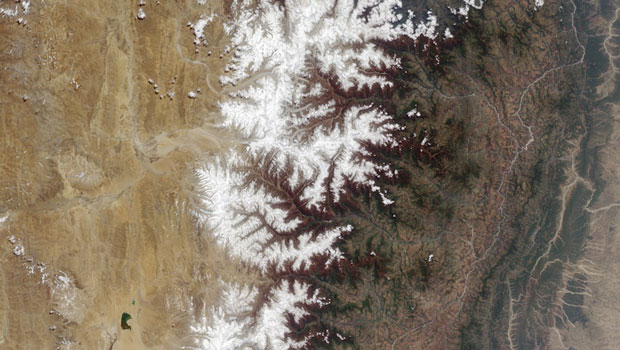 Tibetan plateau and part of the mountain range of the Himalayas-Incredible Examples Of Fractals Found In Nature