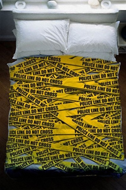 draps-coussins-Police-Geek Beds That Will Make You Dreaming