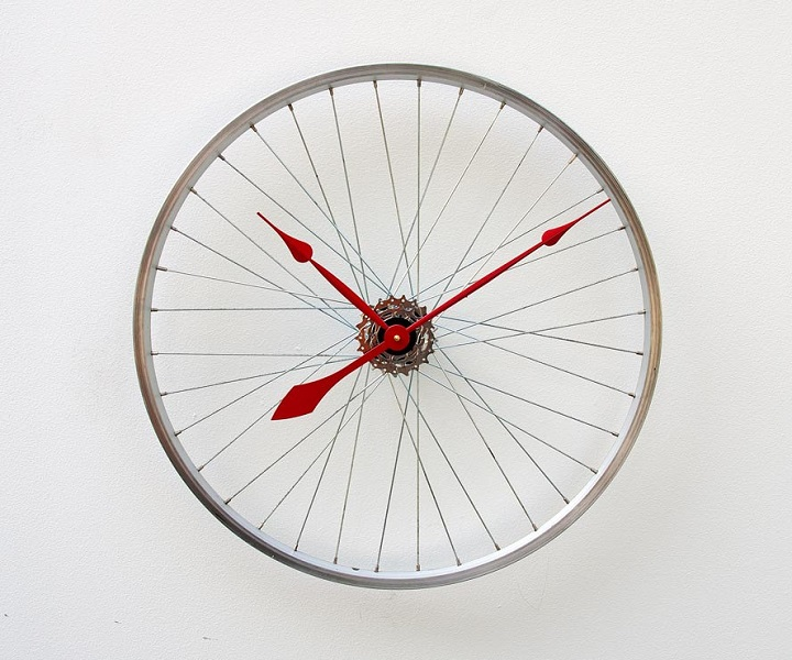 Cycle fans clock:Unusual And Original Clock Designs