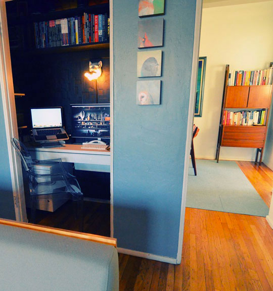 Office inside the cupboard-Unusual Home Office Ideas
