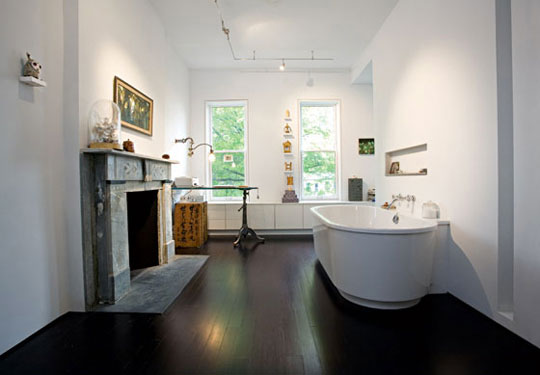 office in the bathroom-Unusual Home Office Ideas