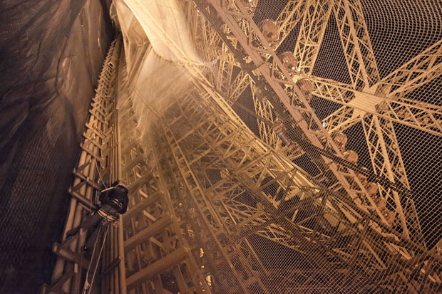 The Amazing Photos Of Eiffel Tower Taken From New And Unique Angles