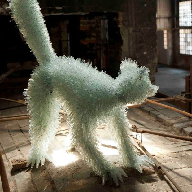 Amazing Animal Sculptures Made From Shards Of Glass