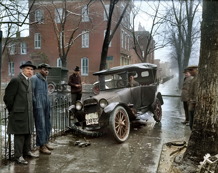 A car accident in Washington, DC, 1921-colorized version