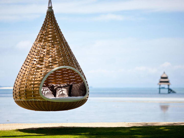 In this suspended waterfront cocoon in Philippines