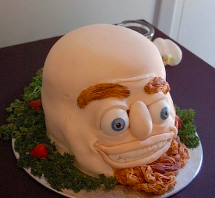 A bulging eyes man designed cake
