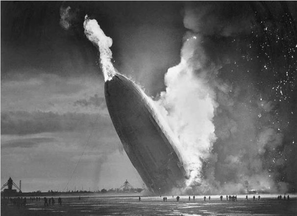 The disaster of the German aircraft Hindenburg in New Jersey May 6, 1937