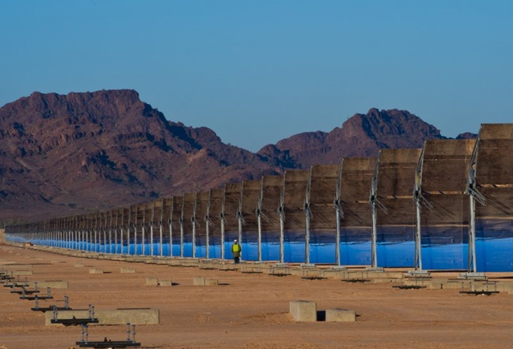 Solana (Arizona) Gigantic Solar Power Plant That Produces Electricity Even During The Night