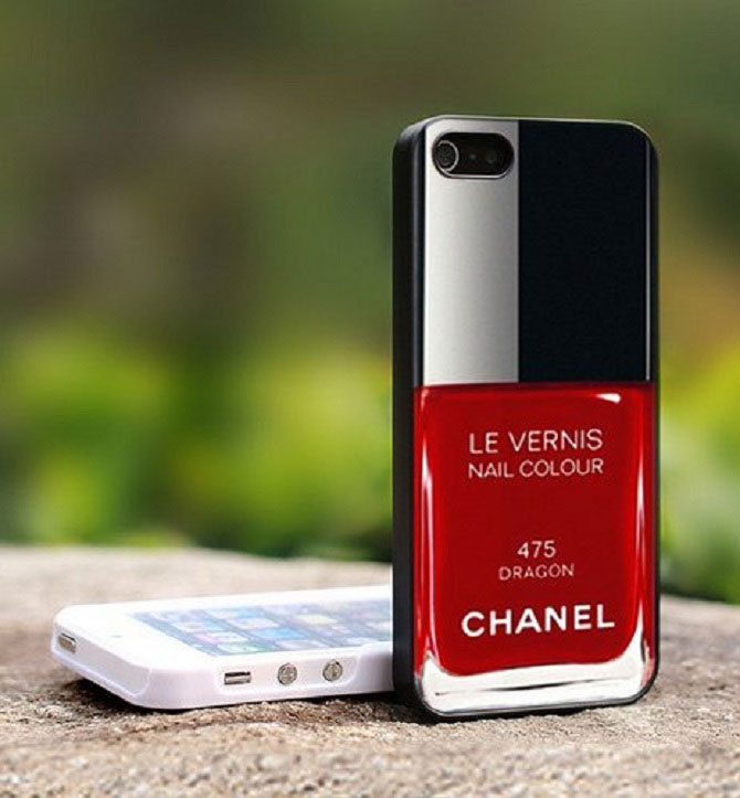 The red Chanel lipstick cover-Irrestible iPhone Cover Designs